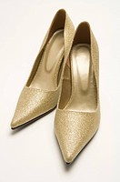 A pair of high_heel shoes