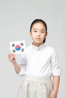 Girl holing Korean flag, Taegeukgi (thumbnail)
