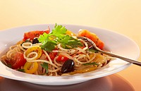 Spaghetti with herbs and vegetables