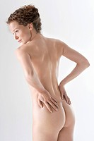 Rear view of a naked woman (thumbnail)