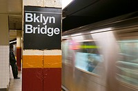 USA, New York, Manhattan, Downtown, Brooklyn Bridge_City Hall Subway Station