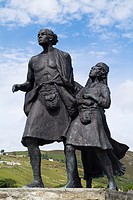 HELMSDALE SUTHERLAND The Emigrants 30 foot Highland clearance family bronze statue