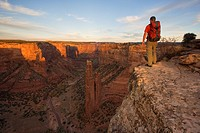 Hiker at the Spider rock Viewpoint in the Canyon de Chelly, Arizona