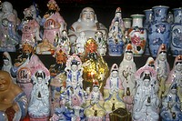 Pottery, statuary and Buddha´s for sale