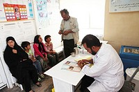 Afghan children being vaccinated