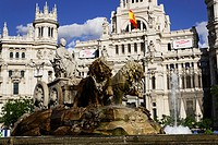 Fuente de Cibeles near town hall Palacio de Comunicaciones, Plaza de Cibeles, Madrid, Spain