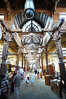 People at Madinat Souk inside Madinat Jumeirah, Dubai, UAE, United Arab Emirates, Middle East, Asia