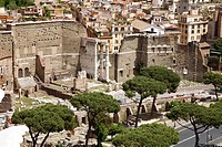 Italy, Rome, Forum Romanum, view from the Vittorio Emanuele II monument, Trajan markets