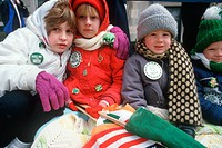 Children dressed warmly to watch the 1987 St. Patrick´s Day Parade, NY City