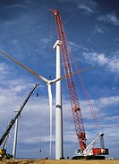 Large crane lifting rotor for wind turbine at Klondike Wind Power Project, Wasco, Oregon, August 2009