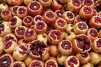 TURKEY. The Spice Bazaar of Istanbul. Pomegranates.