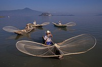 Mexico, Michoacan, Patzcuaro Lake. Butterfly fishermen