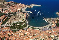 France, Languedoc Roussillion, Collioure, town from the air