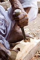 Indian carpenter working , Rampuri, Parbhani, Maharashtra, India MR  688E