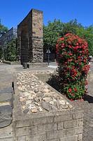 Germany, Neuss, Rhine, Lower Rhine, North Rhine-Westphalia, town fortification, Ham Town Gate, town wall at the Hamtor Square