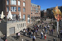 Germany, Duesseldorf, Rhine, Lower Rhine, North Rhine-Westphalia, NRW, old town, old harbour, office buildings, pedestrian zone, people, strollers