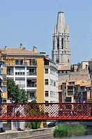 Eiffel bridge and Sant Feliu Church, Girona, Catalonia, Spain, Europe