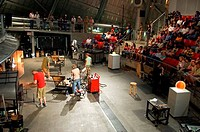 USA, WASHINGTON STATE, TACOMA, MUSEUM OF GLASS, JANE´S HOT SHOP, GLASS BLOWING DEMONSTRATION