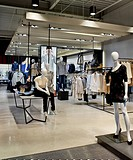 REISS STORE, D_RAW, CARDIFF, 2010, OVERALL VIEW OF SHOPFLOOR, CARDIFF, CLOTHING, Architect