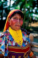 PANAMA, SAN BLAS ISLANDS, ACUATUPU ISLAND, KUNA INDIAN WOMAN WITH PIPE, CLOSE_UP