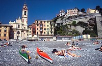 Italy, Liguria, Genoa, suburb of Sori, the beach