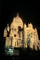 France, Paris, Montmartre, Sacre Coeur at night