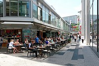 Germany, Wuppertal, Wupper, Bergisches Land, North Rhine-Westphalia, NRW, D-Wuppertal-Elberfeld, Schloessersgasse, pedestrian zone, people sitting in ...