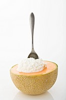 Half a cantaloupe with cottage cheese (thumbnail)