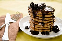Stack of pancakes with blackberries (thumbnail)