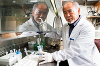 Professor Douglas Ishii conducting innovative Alzheimer's treatment research at Colorado State University Department of Physiology