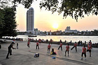 People at the river of Menam Chao at sunrise, Bangkok, Thailand, Thailand, Asia
