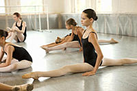 Ballerinas doing the splits