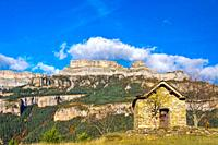 Viu village with Añisclo Canyon background  Sobrarbe, Huesca  Aragón  Spain
