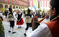 Bagpiper, folk dance, Asturian folklore, Plaza mayor, Gijon, Asturias  Spain