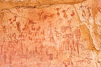 Prehistoric rock drawings in the Tadrart Valley, Akakus Mountains, Libyan Desert, Libya, Sahara, North Africa, Africa