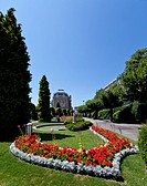 Park in Lausanne with a view towards a historic building, Lausanne, Canton of Vaud, Lake Geneva, Switzerland, Europe