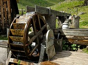 Waterwheel at the Harmeralm mountain lodge, Naturpark Soelktoeler nature park, Schladminger Tauern mountains, Styria, Austria, Europe