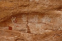 About 1500 year old palm prints and drawings of Native Americans, Mystery Valley, Arizona, USA