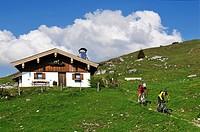 Mountain bikers on Eggenalm alpine pasture, Reit im Winkl, Bavaria, Germany, Europe, Tyrol, Austria, Europe