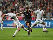 Goal by Miroslav Klose, Xabi Alonso on the left, Sami Khedira on the right, Franz Beckenbauer farewell match, FC Bavaria Munich v. Real Madrid at the ...