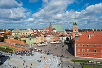 Castle square, Plac Zamkowy, with the Royal Palace, Sigismund's Column, Sv. Jana cathedral and St. Martin's Church, Warsaw, Mazowieckie, Mazury, Polan...