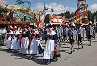 Oberland local costume group Almrausch Stamm from Munich, Costume and Riflemen's Procession at the Oktoberfest, Munich, Upper Bavaria, Bavaria, German...