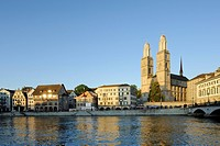 Limmat river with the Grossmuenster minster and the Muensterbruecke bridge, old town, Zurich, Switzerland, Europe