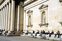 People in front of the Glyptothek building, a museum of Greek and Roman sculptures from the ancient world, Koenigsplatz square, Maxvorstadt, Munich, U...
