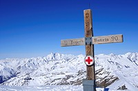 Cross at the summit of Hocharn, Grossglockner in the background, Hocharn, Rauriser Tal valley, Goldberggruppe mountain range, Hohe Tauern mountain ran...