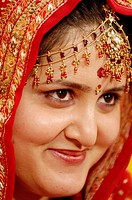 Smiling bride in South Asian Hindu Punjabi wedding ceremony , Bombay Mumbai , Maharashtra , India MR 670