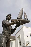 The Boy with the Boat, sculpture by Lydia Karpinska, junction of High Street and King Street, Maidenhead, Berkshire, England, United Kingdom, Europe