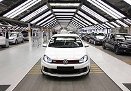 Volkswagen AG, production of passenger cars in the Wolfsburg plant, final inspection of a Golf Vi directly before shipping, Wolfsburg, Lower Saxony, G...