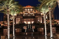 United Arab Emirates, Abu Dhabi, the Emirates Palace luxury hotel, Kempinski, 302 rooms and 92 suites, the interior is made of marble and gold