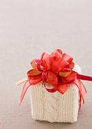 Knit gift box